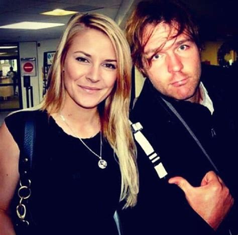 does dean ambrose have kids the amazing wives of wwe superstars kiwireport