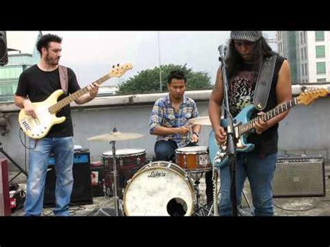 Cd Original Gugun Blues Shelter Hitam Membiru gugun videolike