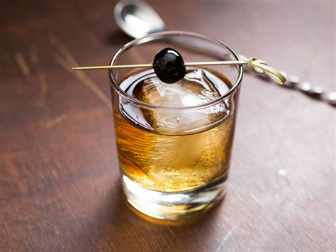 whiskey cocktail what to make with rye whiskey 23 delicious cocktails