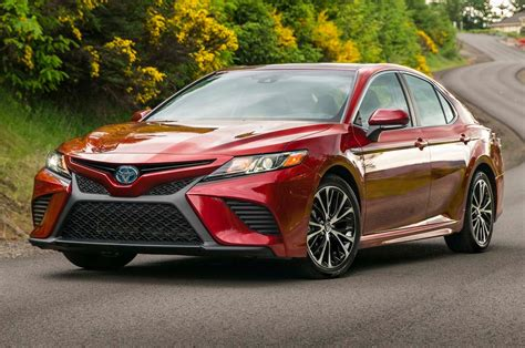 2018 toyota camry drive review motor trend