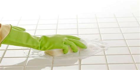 pulizia piastrelle bagno come pulire le piastrelle bagno le soluzioni efficaci