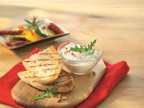 kuchen aus silikonform lösen himbeertorte aus frischk 228 se rezept arla foods