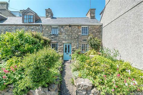 Seaside Holiday Cottage In Nefyn On The Llyn Peninsula Cottage In
