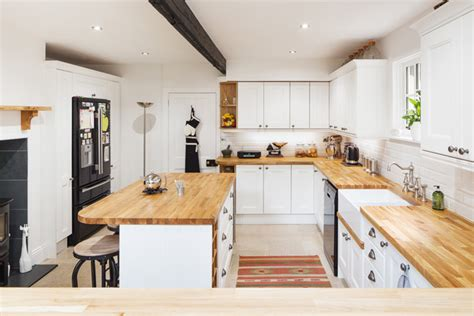 Solid Wood Kitchen Cabinets Uk Choosing The Right Kitchen Fitter For Our Solid Oak Kitchen Cabinets And Worktops Solid Wood