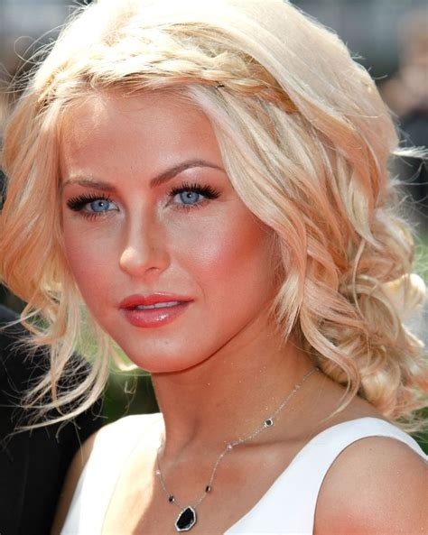 country singer with short hair julianne hough a class act and in my opinion the hottest