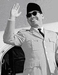biography about ir soekarno biography biography ir soekarno indonesian first president