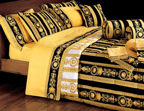pin versace bedding set bed sheets pillow case quilt cover