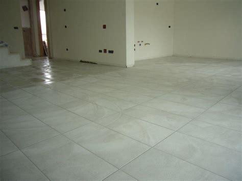 piastrelle 30x60 pavimento su piano terra open space gabbatore mattia