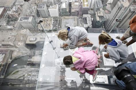 Glass Floor Building Chicago by Chicago Il Sears Tower New Glass Ledges Lead To High