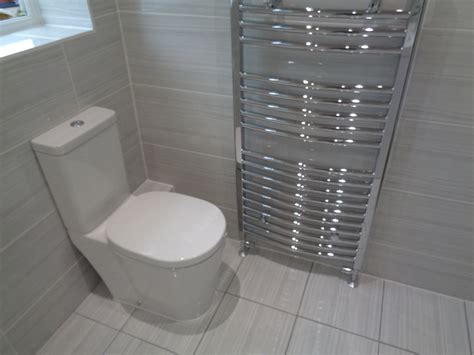 modern tiled bathrooms coventry bathrooms 187 modern toilet with grey travertine