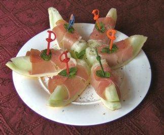 melone mit schinken anrichten fingerfood mit schinken rezepte kochbar de