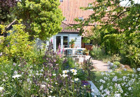 Ivys Cottage by Garden Design Courses Suffolk Izvipi