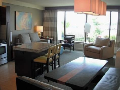 bay tower room bay lake tower dining living areas picture of bay lake tower at disney s contemporary