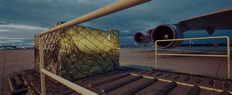ultimate guide  choosing air freight services