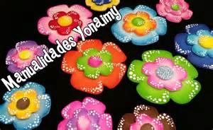 flores de foamy flores coloridas con puntitos hechas con foamy o goma eva