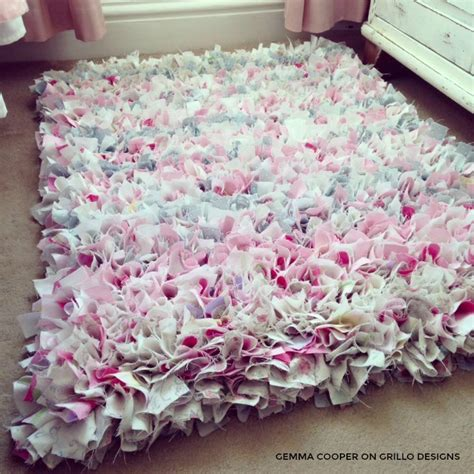 rag rugs how to make a diy rag rug using bedding