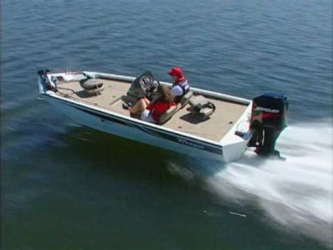 aluminum bass boat construction triton aluminum boat construction youtube