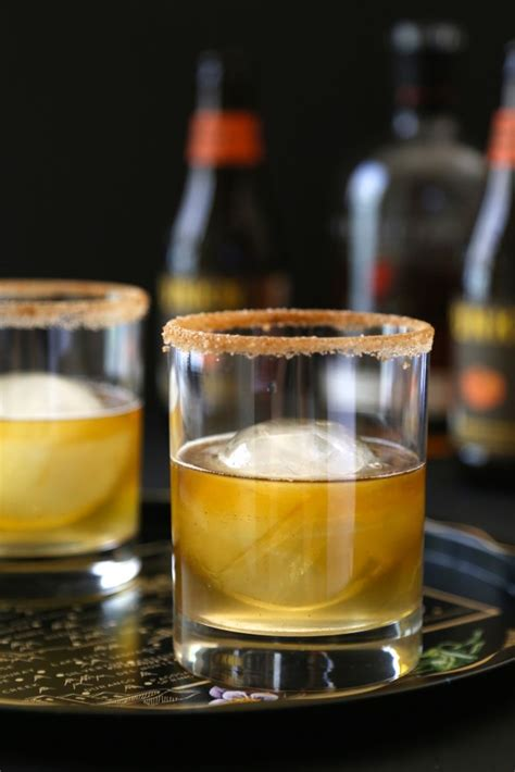 fall inspired signature drinks for your wedding