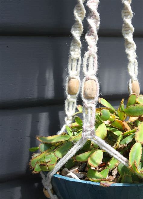 How Do You Make A Macrame Plant Hanger - how to make a macrame hanging planter