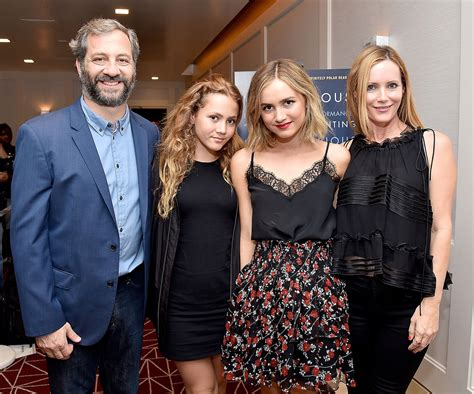 leslie mann children s names leslie mann and judd apatow s teenage daughters look all