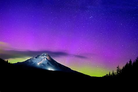 Oregon Northern Lights by Landscapes Liz Wade Photography Photo Booth Portland