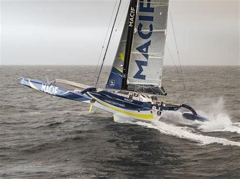 trimaran gabart fran 231 ois gabart enters the indian ocean on board the macif