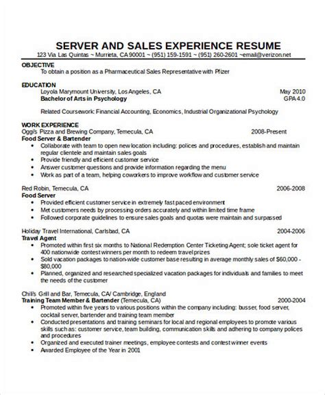 knowing waitress duties before writing cocktail waitress resume