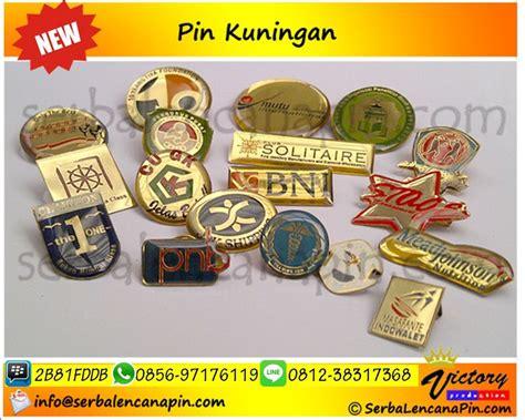 Jasa Pembuatan Badges bikin pin stailess buat pin kuningan bikin pin acrylic