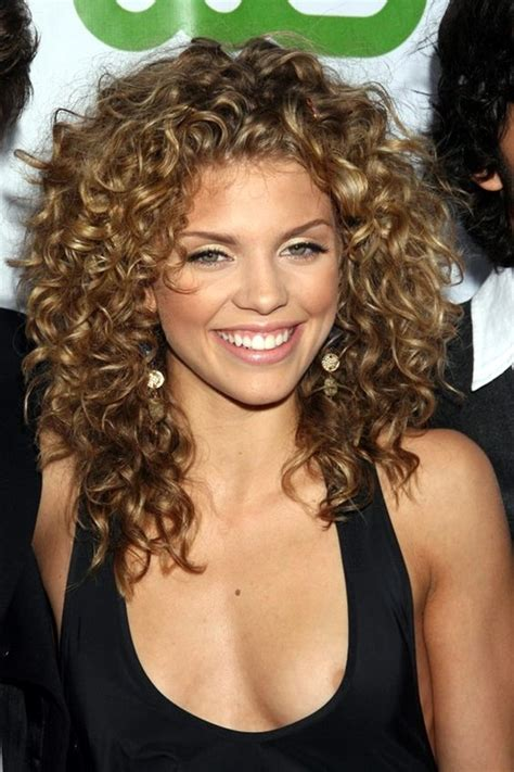 45 stylish curly hair hairstyles for women in love with