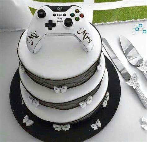 Hochzeitstorte Gamer by Gamer Wedding Cake