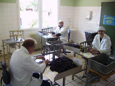 aide de cuisine emploi sous traitances diverses l 233 on entretien de jardins