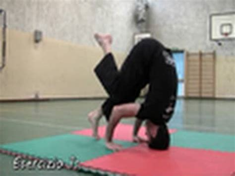 tutorial verticale yoga acrobatica come fare la verticale sulla testa tutorial