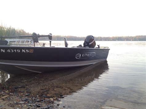 lund boats vs crestliner muskiefirst crestliner pro tiller vs lund pro guide