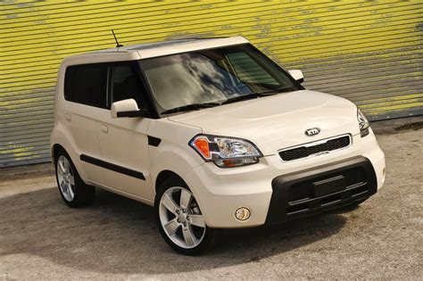 new for kia sorento soul 2010 2011 2012 2013 rear window windshield wiper blade ebay 2010 2011 kia soul and sorento models recalled for fire risk