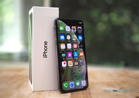 iphone xs  iphone xs max review    future slashgear