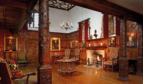 anne boleyns bedroom  prayer books hever castle