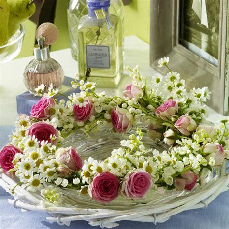 Dekoration Mit Blumen by Sommerliche Blumen Dekoration Zum Selbermachenn