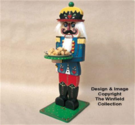 christmas kings table nutcracker wood pattern