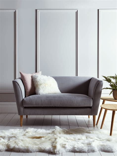 how to select the best bedroom sofa chair pickndecor