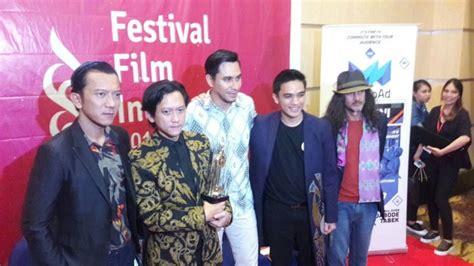 film terbaik festival film indonesia night bus film terbaik ffi 2017 darius syok berita