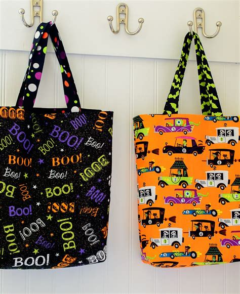 Wyldes Bag Of Tricks Treat Purse by Easy Diy Trick Or Treat Bag Tutorial Holidays