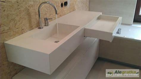 corian umywalka aranżacje łazienek we włoskim stylu umywalki i blaty