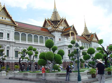 thai palace the grand palace and wat phra kaew temple of the emerald