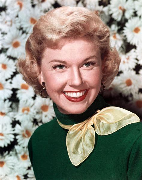 Actress Doris Day | doris day rosalind russell dazzling star