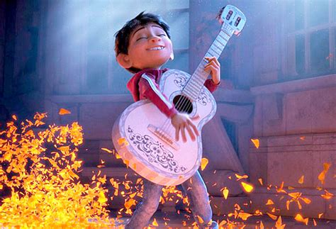coco web film dia de los muertos themed coco maintains box office