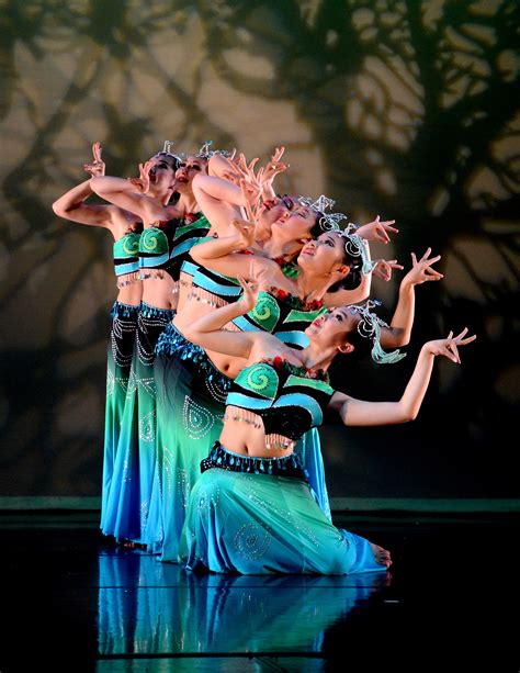 Chinese Dance Styles   lorita leung dance co showcases chinese dance in moscow