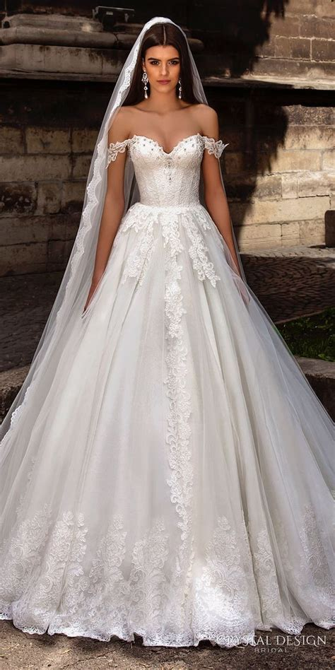 17 Best ideas about Bustier Wedding Dresses on Pinterest