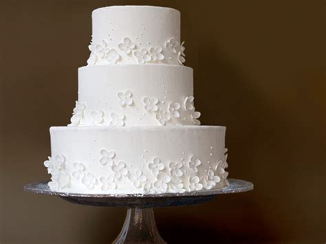 Hochzeitstorte Einfach by Simple White Wedding Cake Ideal Weddings