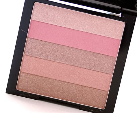 Lipstick Palette Revlon simplify your look with the right highlighting palette