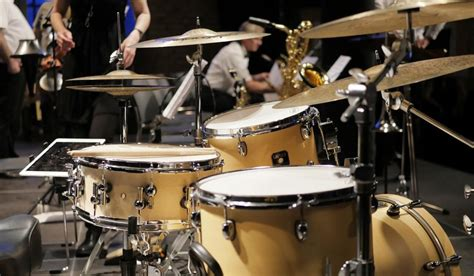 clever no drum and bass in the jazz room drumless jazz tracks for drummers to play along with